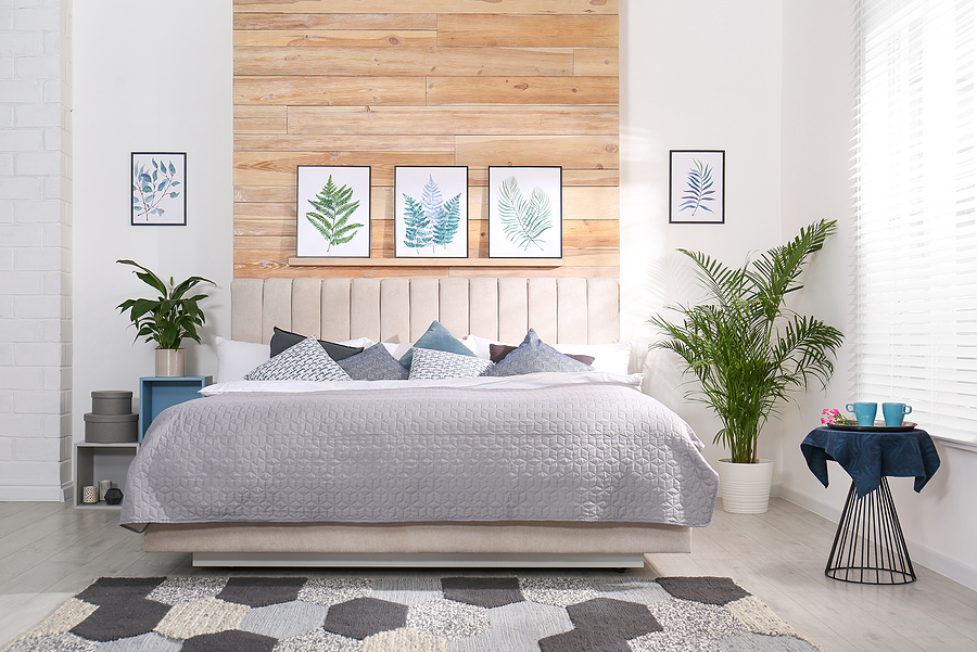 Neutral colored walls with Neutral decor with a pop of color