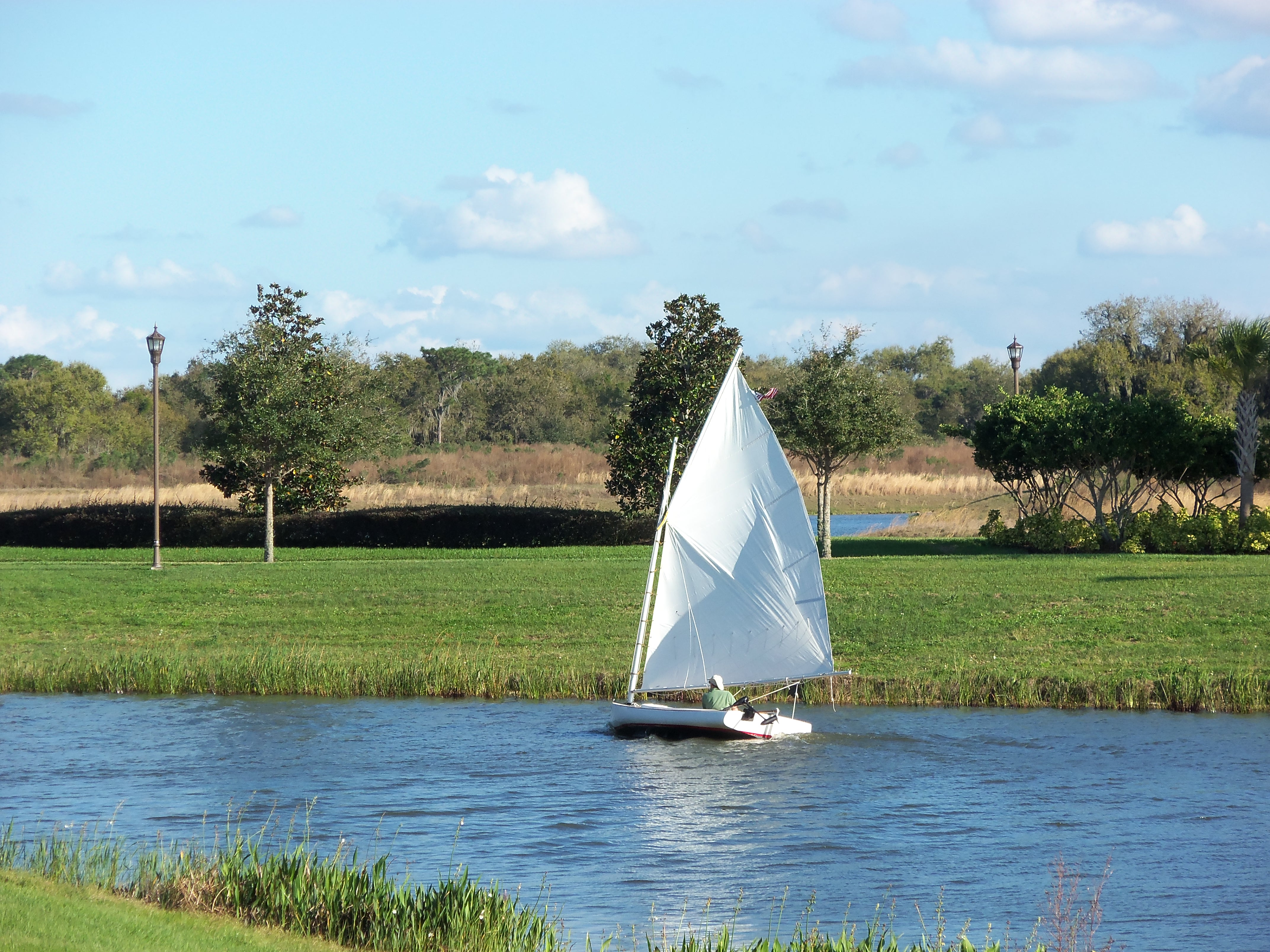 Sailing in Bellalago community