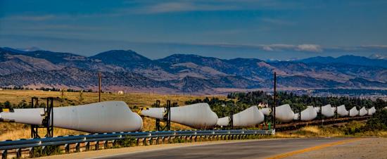 Colorado train transporting wind turbine parts north