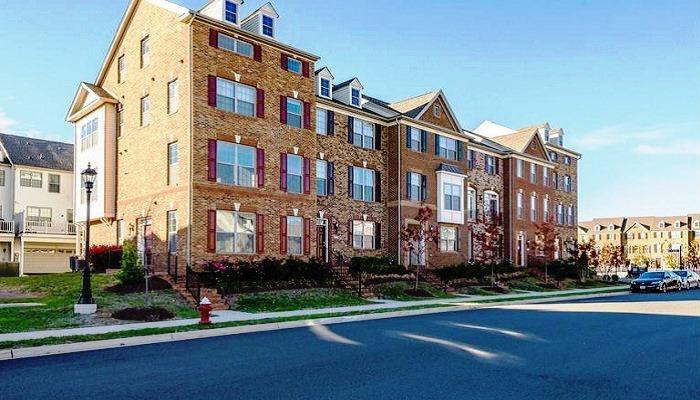 Condos for Sale in Hampton Pointe