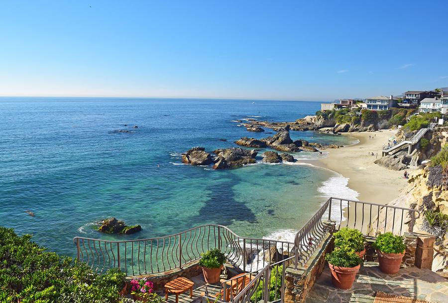 Search Laguna Beach homes and Laguna Beach real estate.