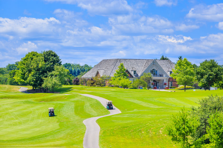 Why Live in a Golf Community