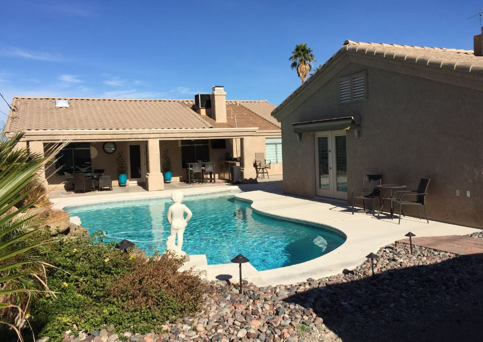 lake havasu pool home with casita