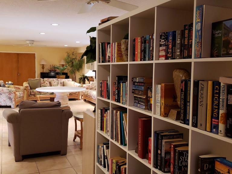 Hickory Shores Condo Library