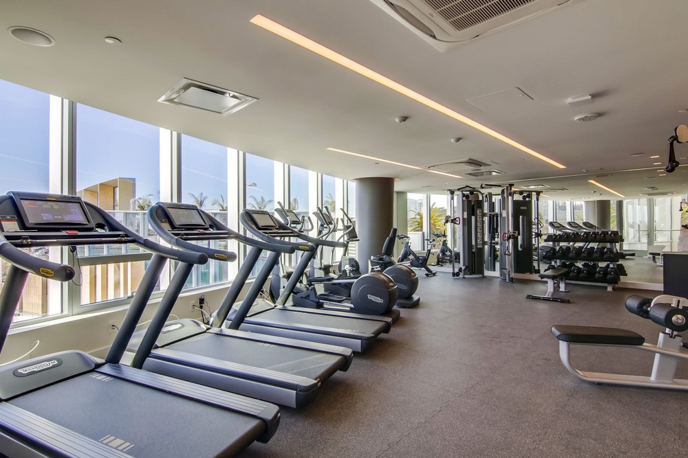 Pacific Gate Condos Fitness Center Gym Picture