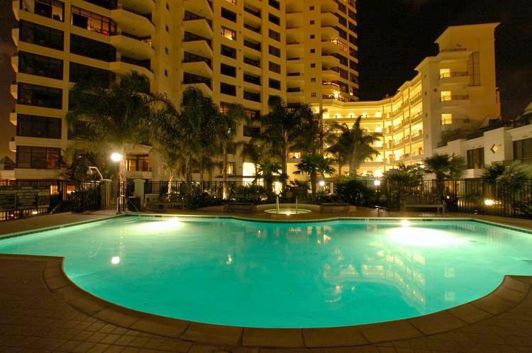 image of pool at park place condos