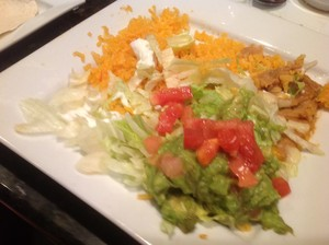 Guacamole, lettuce for the fajitas at Plaza Mexico