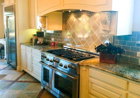 Shaddock Homes model home kitchen