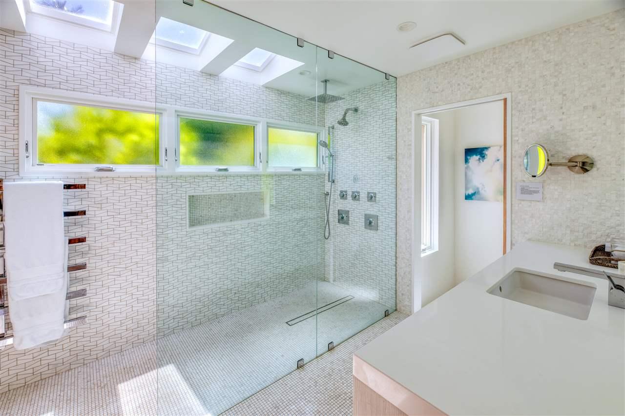 Wailea Point 605 Master Bathroom