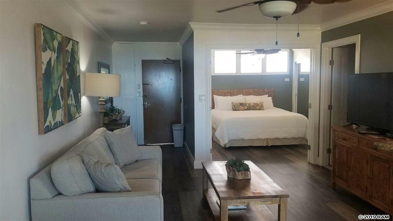 West Maui vacation condominium for sale. Hale Ono Loa condo complex on Maui Hawaii.