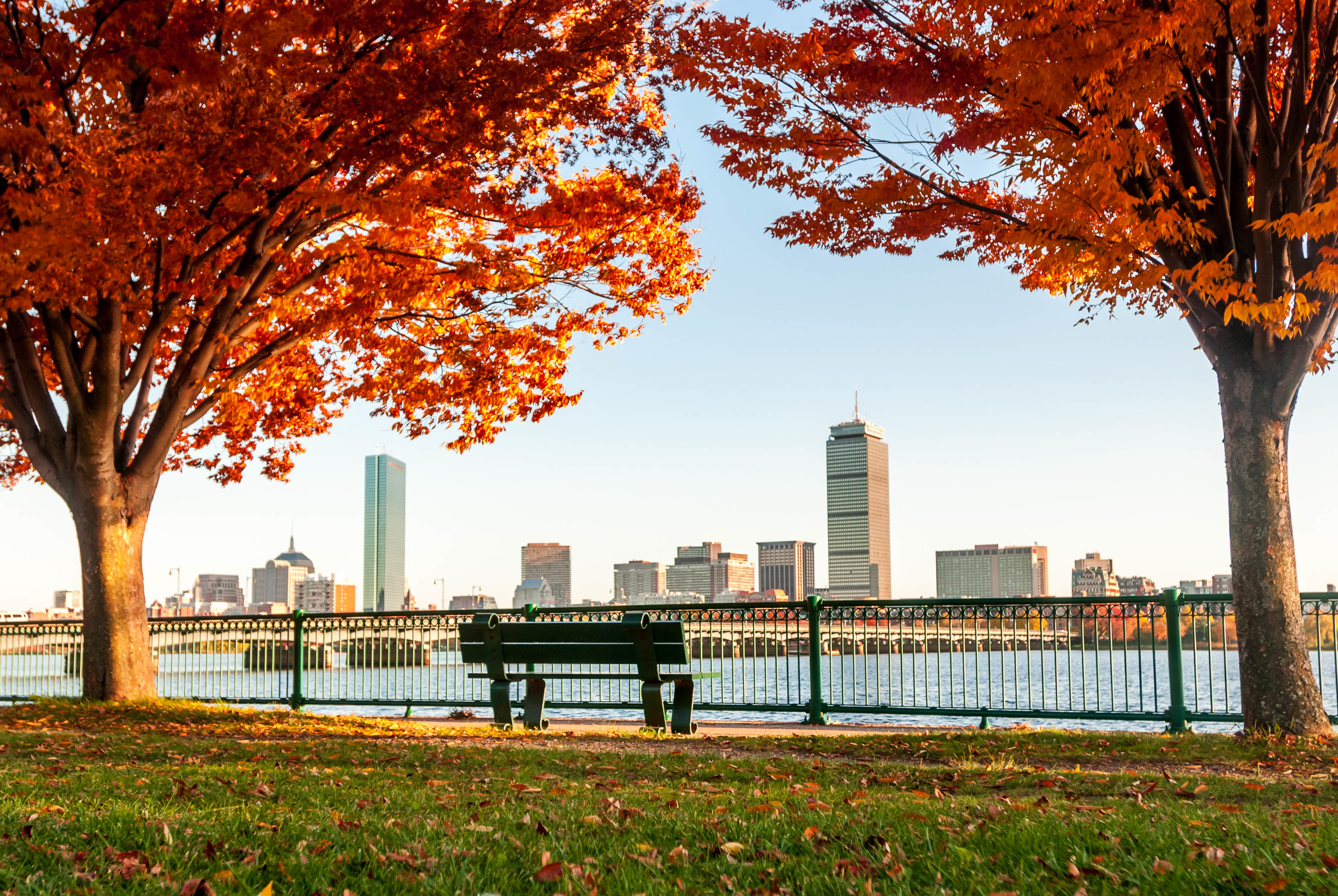 7 Reasons to Buy a New England Home in the Fall