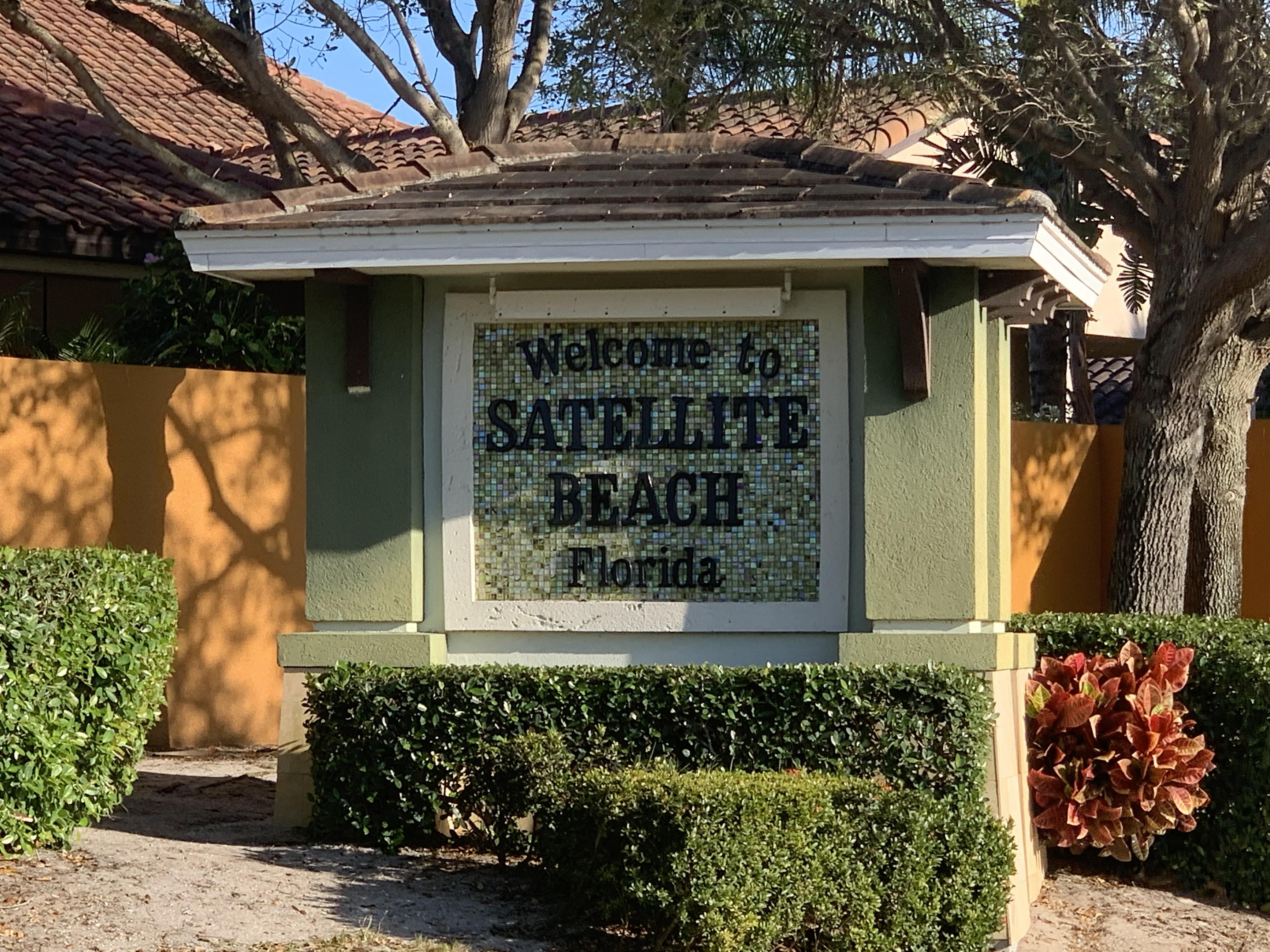 Satellite Beach signage