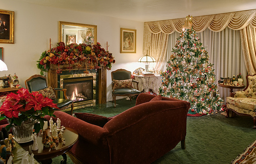 A Festive Holiday Home Staging