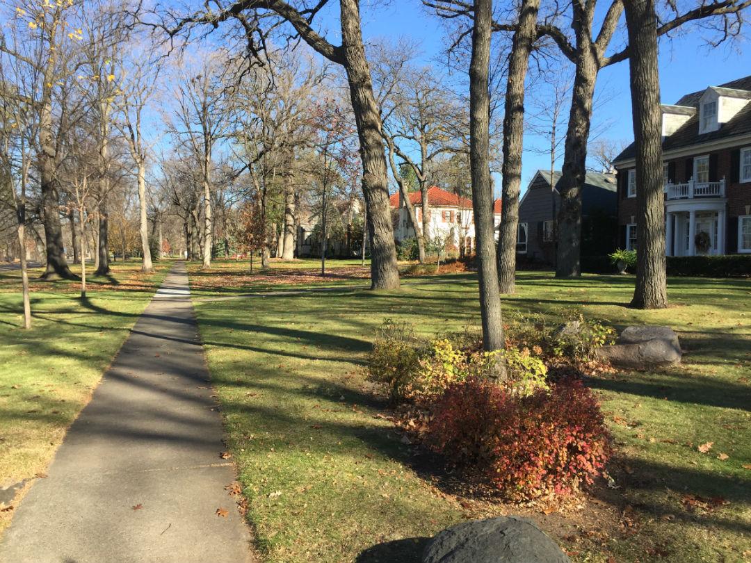 Mac/Groveland St. Paul in November 60 degrees outside