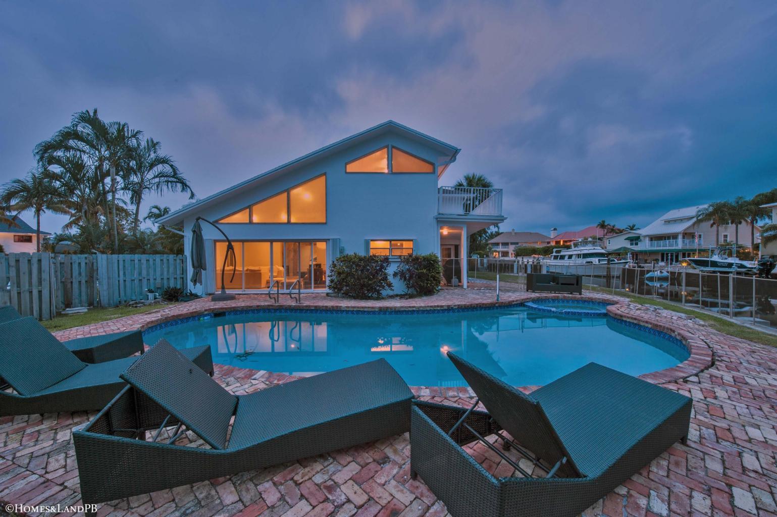 3031 Jasmine Court, Delray Beach, FL 33483