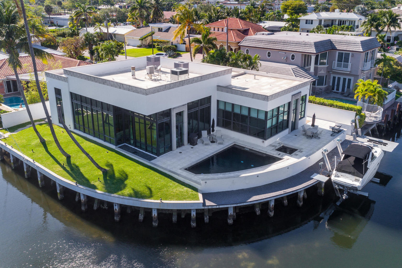 Blue Inlet Waterfront Contemporary