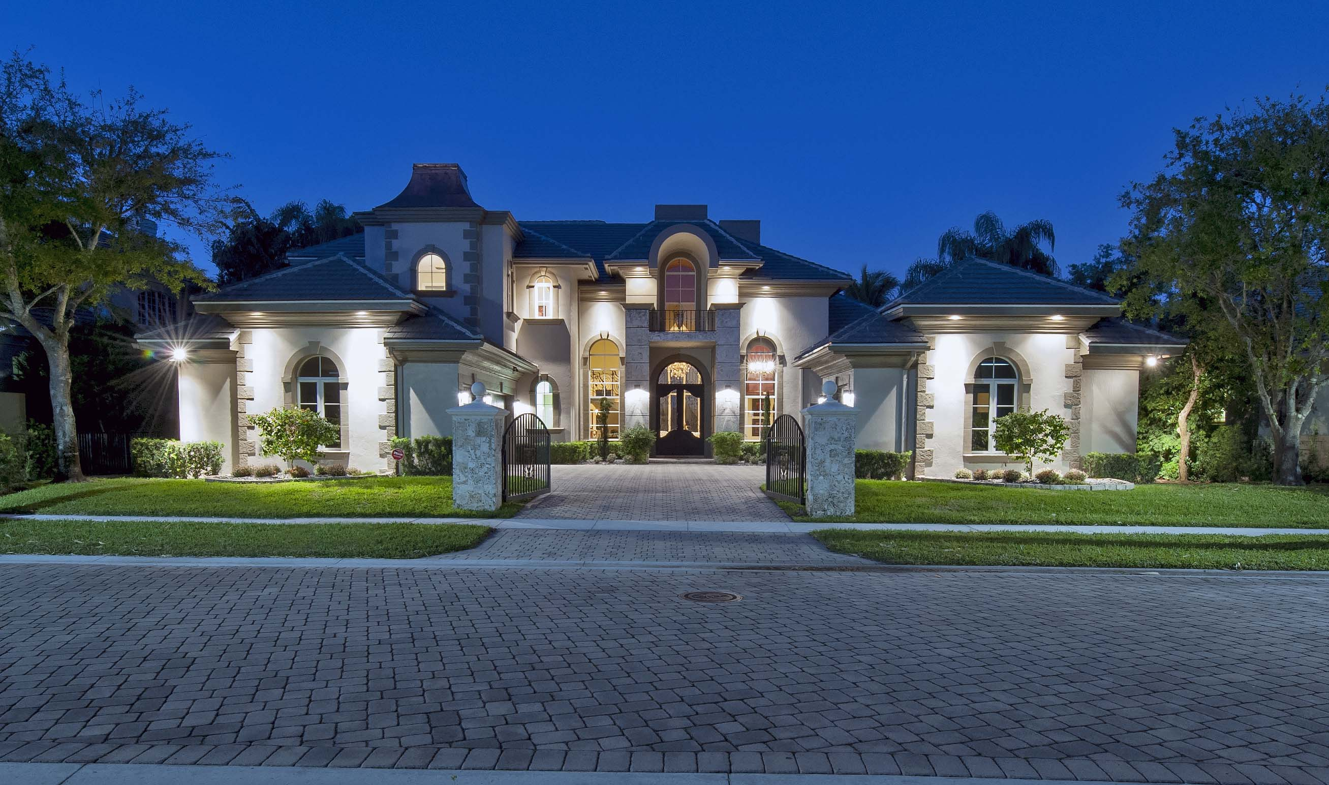 Selling for Luxury houses in florida