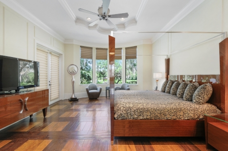 hd photography of a bedroom