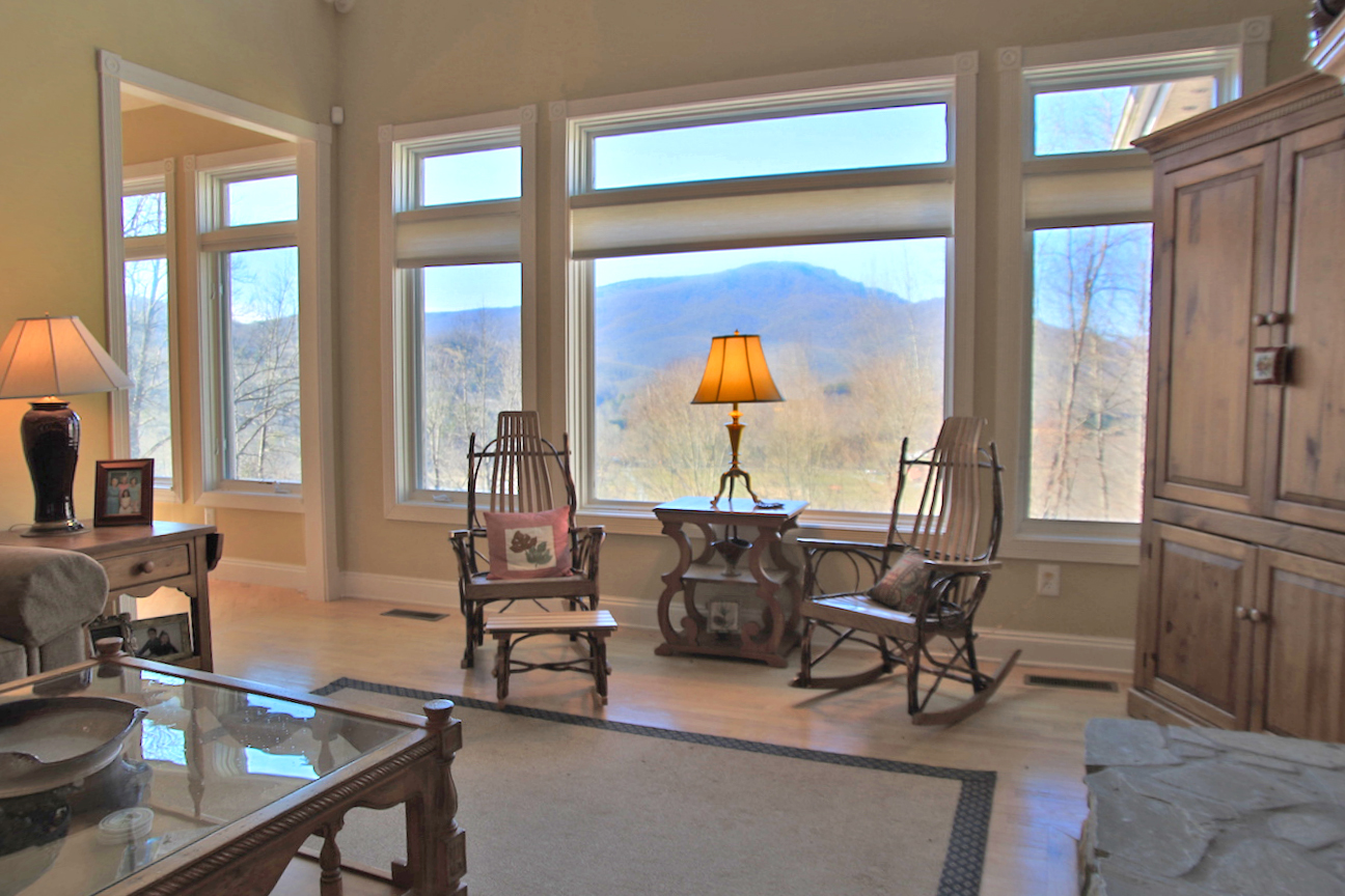 valle crucis big and beautiful singles We give a detailed overview of the valle crucis area,  single family residential  a residence in a beautiful and dynamic town or a place to invest money .
