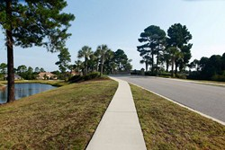 Street views from the sidewalks of Plantation Lakes