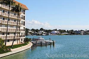 Boating Communities in Naples FL, Homes and Condos with boat docks in Naples FL