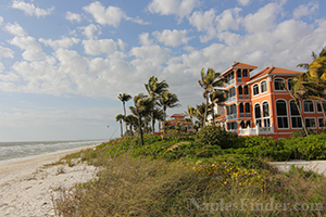Homes and Villas on the beach in Naples FL