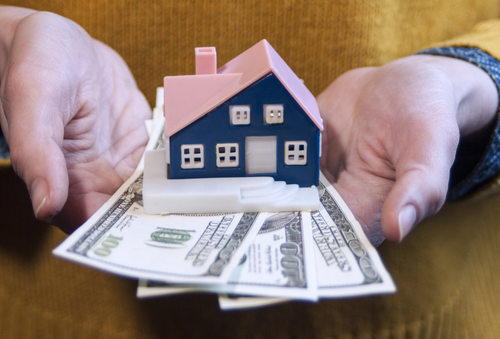 What is Earnest Money and How Much Do I Need?