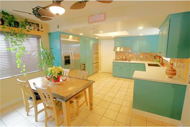 413 Nutwood Kitchen