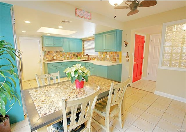 413 Kitchen1