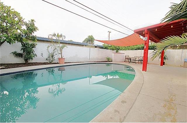 413 Nutwood Pool