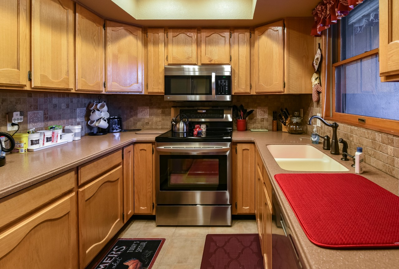 2831_N_Walnut_Hills_Drive_Unit_13_Flagstaff_AZ_86004_kitchen