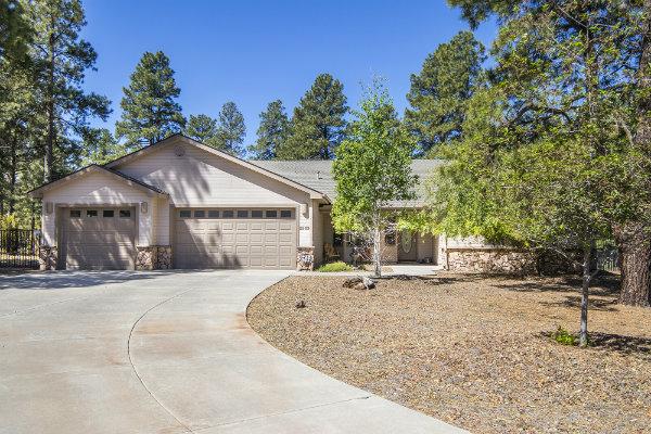 2933 W Castle Pines Drive Williams, AZ 8604