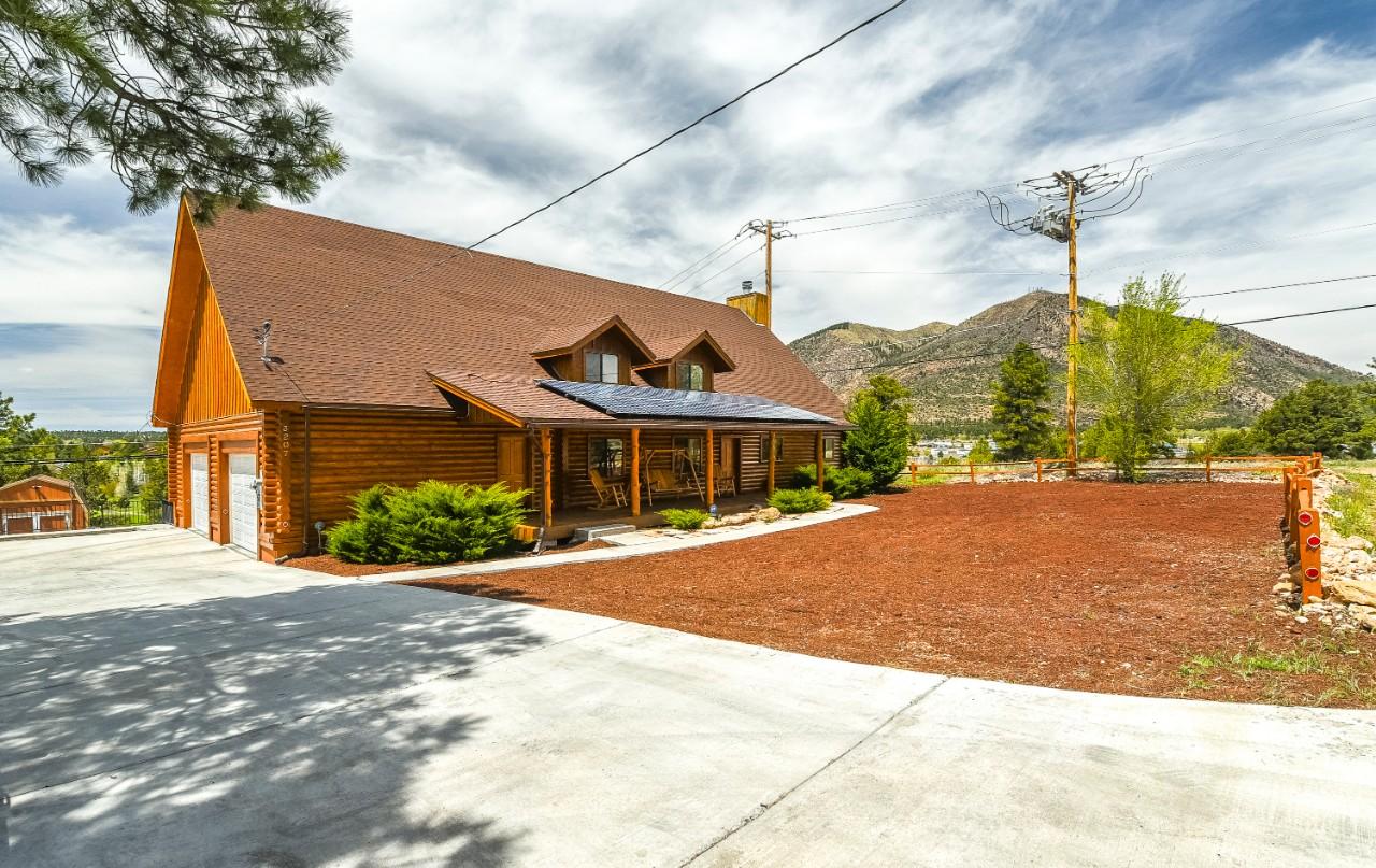 3207 N Oakmont Drive Flagstaff, AZ 86004