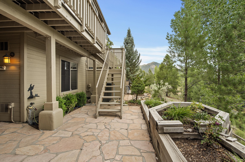 6008 E Mountain Oaks Drive Flagstaff, AZ 86004