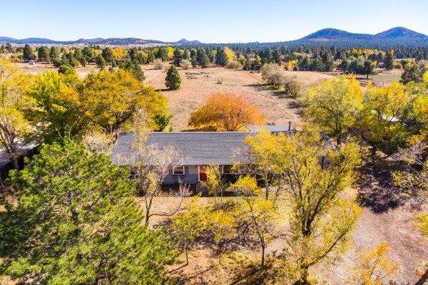 7825 Hummingbird Lane, Flagstaff, AZ