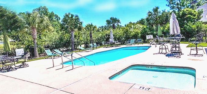 Pool at Palmetto Greens