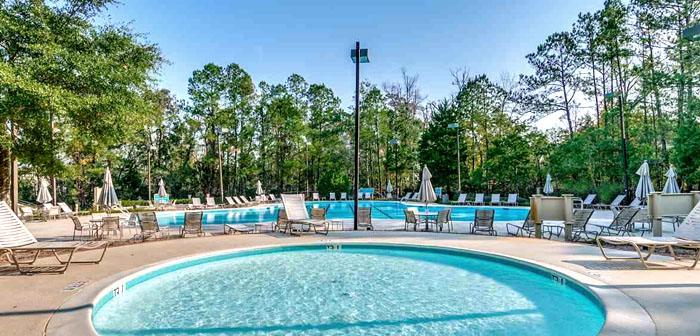 Pool at Lighthouse Pointe Condos in Tidewater