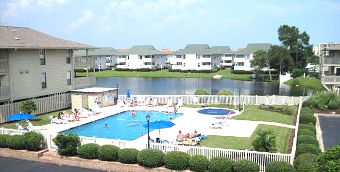 Pool at Tilghman Lakes