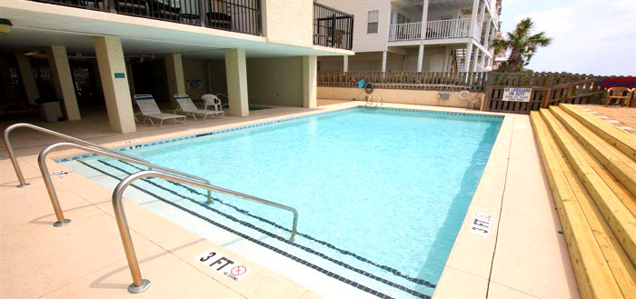 Pool at Waterpointe I