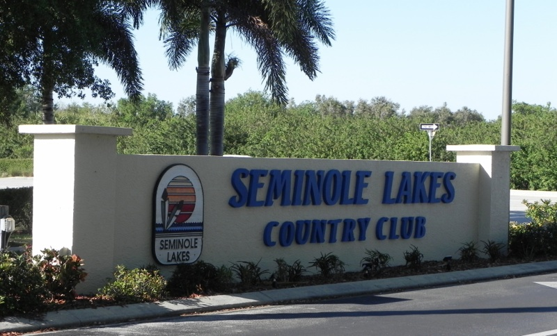 Seminole Lakes Entrance Sign