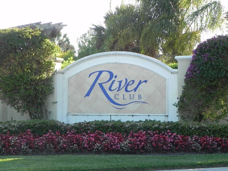 River Club sign