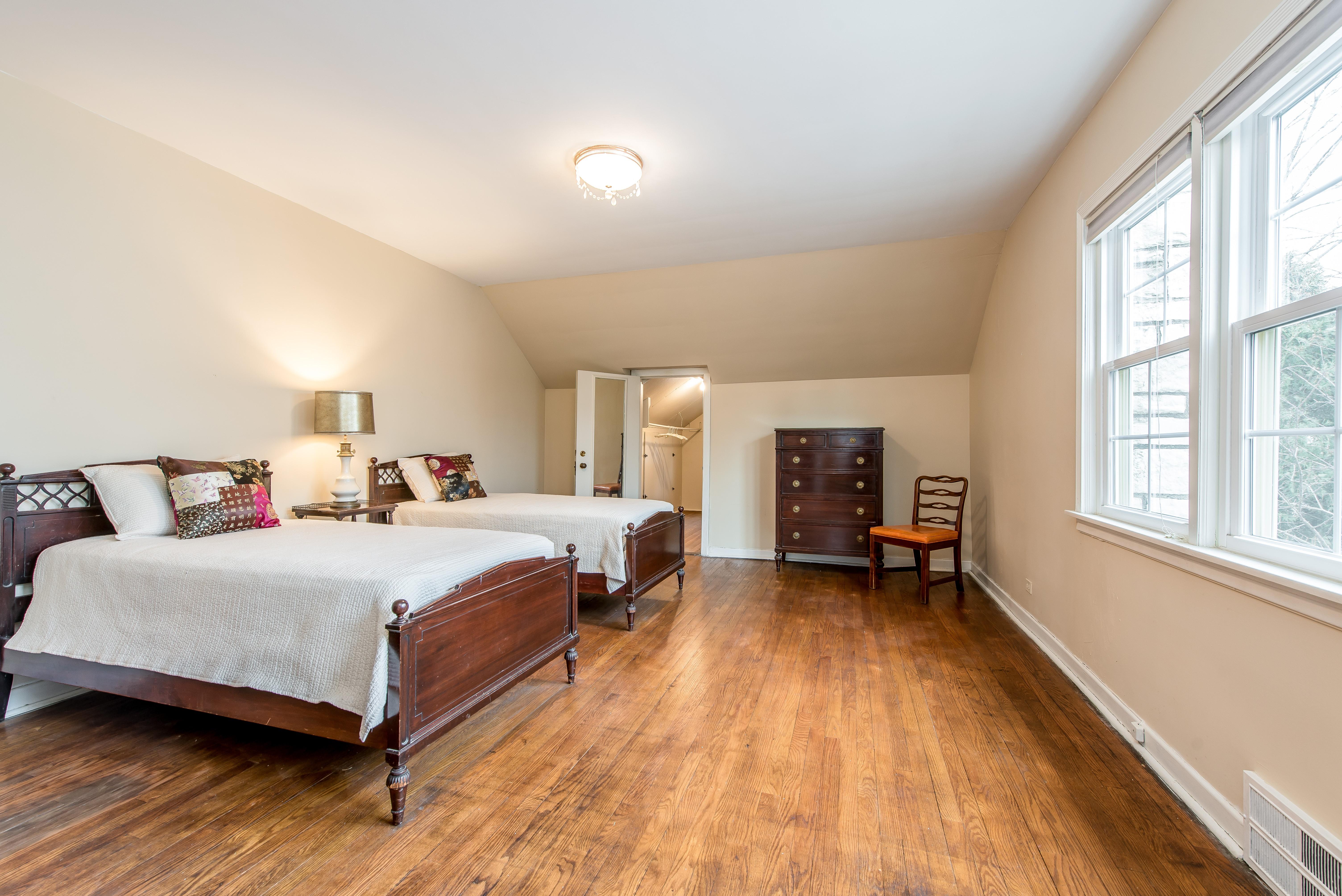 2151 Thornwood master bedroom