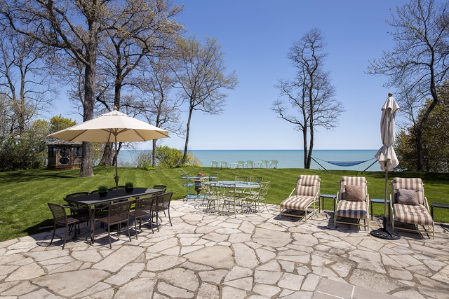 2445 Woodbridge view of Lake Michigan