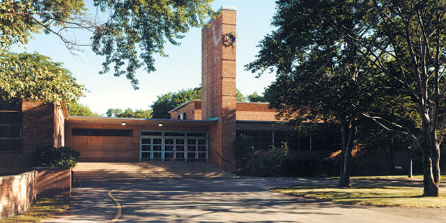 Crow Island School, Winnetka
