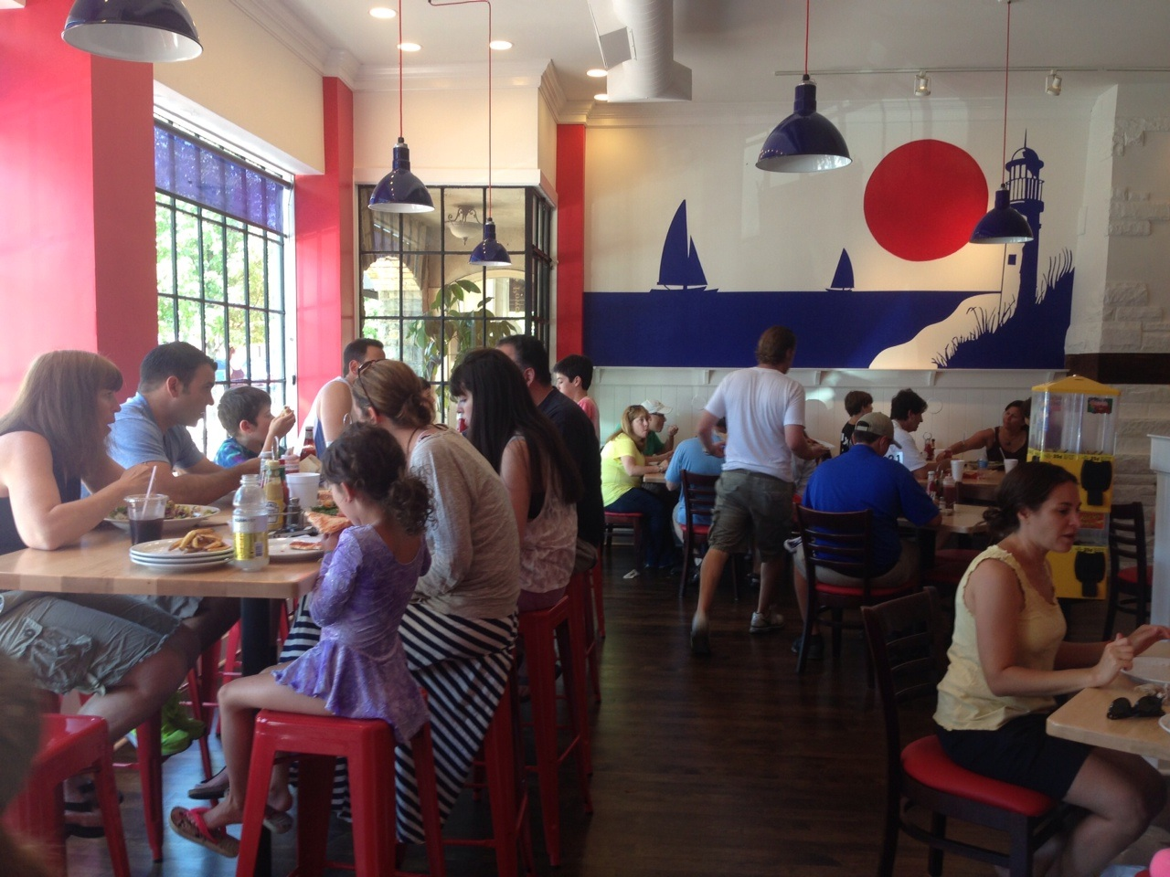 Kid friendly restaurants on the north shore for Kid friendly restaurants