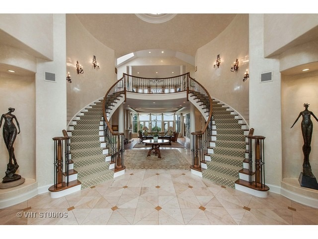 Bridal staircase 1215 Whitebridge Hill Rd Winnetka