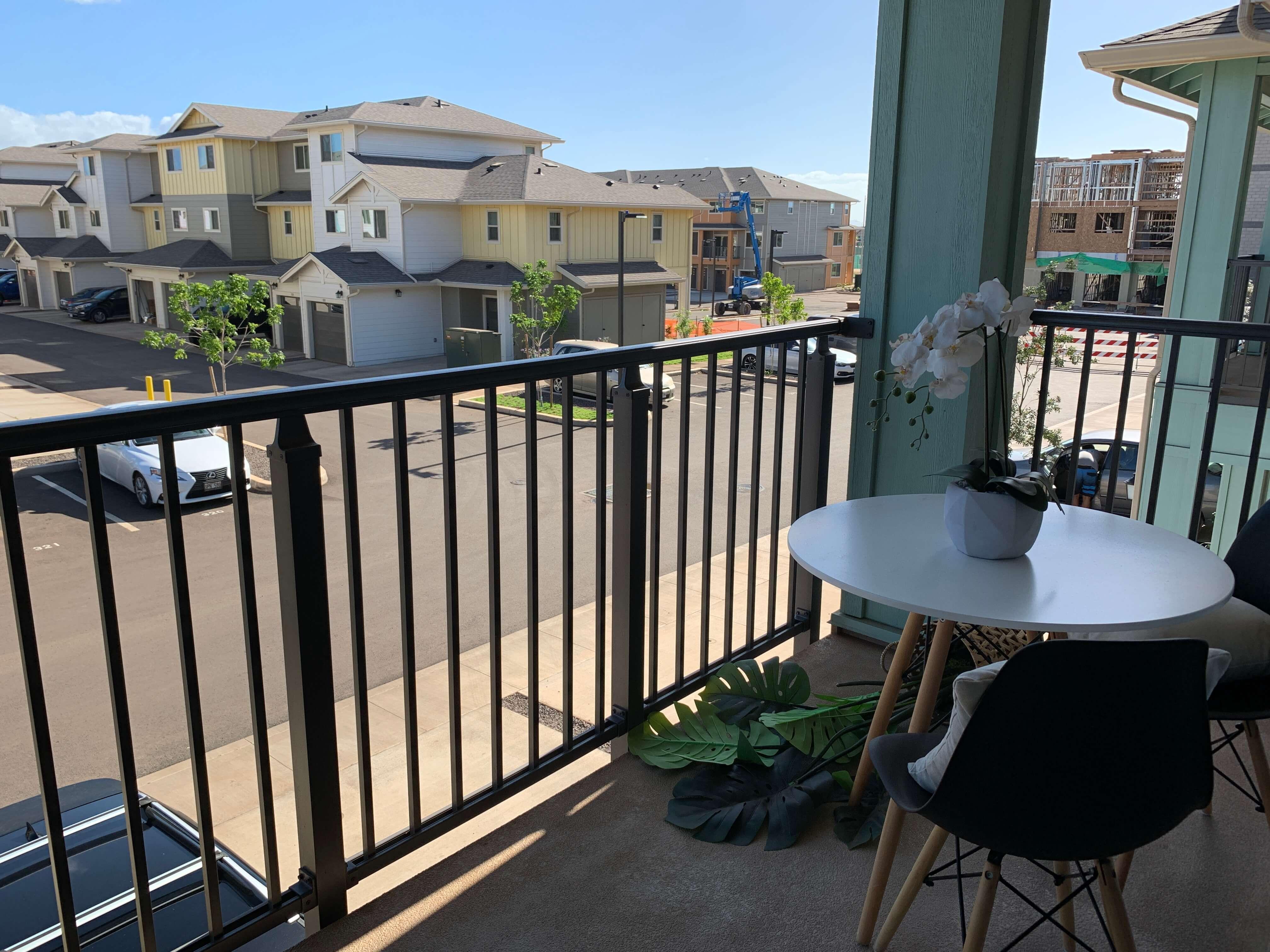 kohina at ho'opili lanai and balcony
