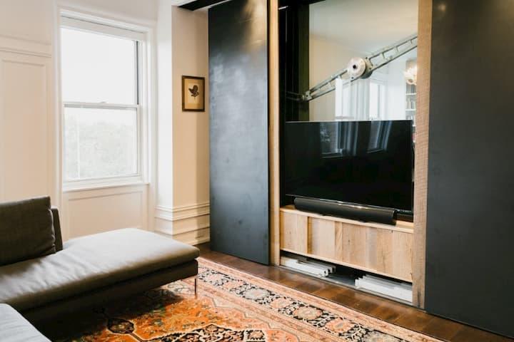 Living Room TV unhidden