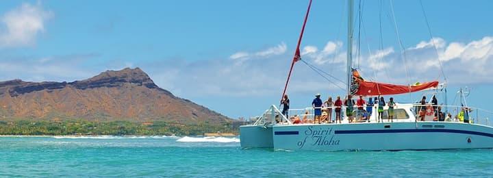 Boat Ride in Oahu: Hilton Hawaiian Village