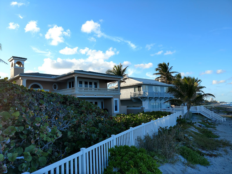 JUPITER INLET COLONY WATERFRONT HOMES FOR SALE AND FOR RENT